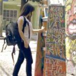Parada do Livro: estantes nos pontos de ônibus de SP oferecem livros gratuitos